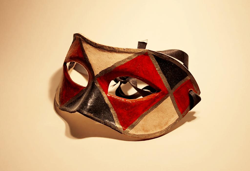 bal masqu pour le droit aux masques indymedia qu bec cmaq. Black Bedroom Furniture Sets. Home Design Ideas